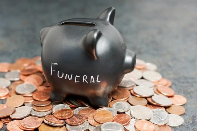 Personalizing a Funeral Service on a Budget